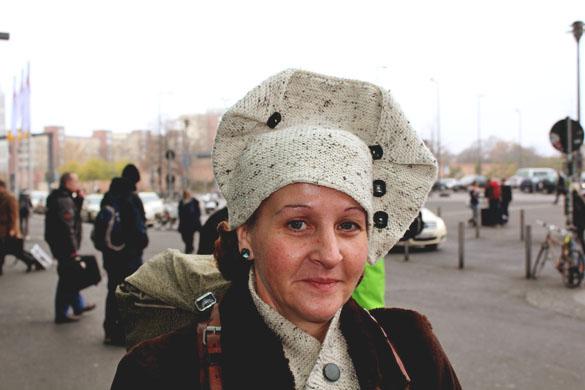 a very unique woll bonnet accessoires