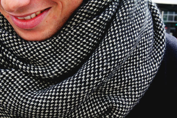 Loop Scarf Men Close Up