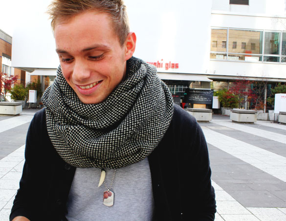 Loop Scarf Men Two Colors