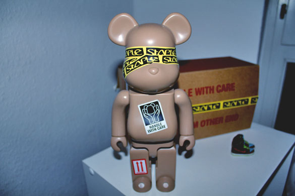 Staple Bearbrick 400%