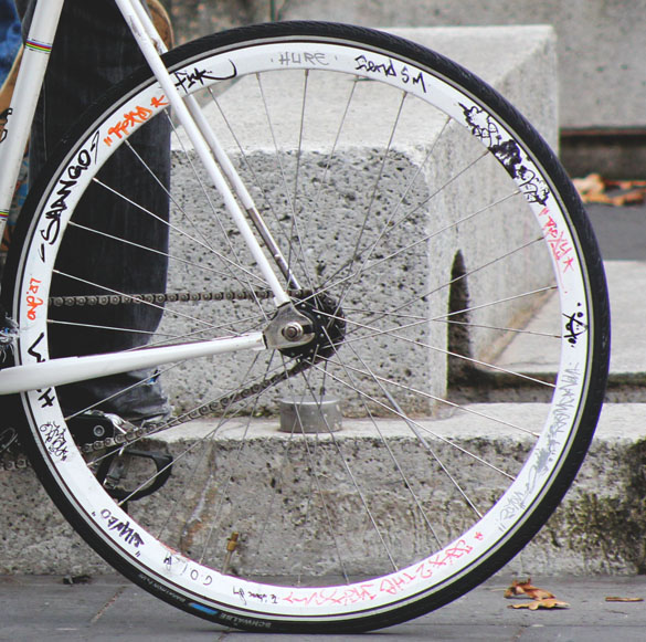White wheels fixie bike