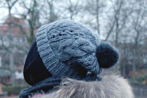 bobble beanie in grey