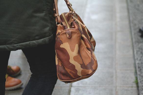 michael kors grayson camo satchel sidelook