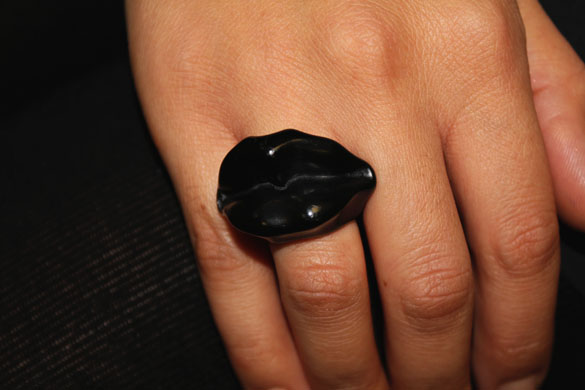 black ring in form of black lips