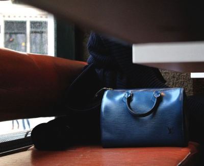 Blue speedy bag from louis vuitton in epi leather