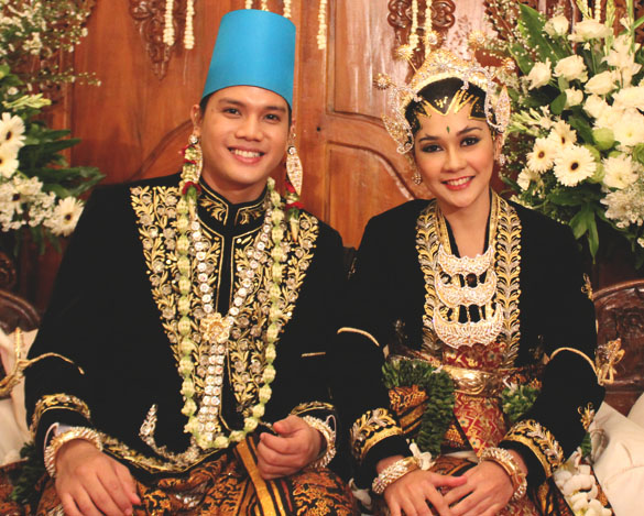 javanese wedding accessories