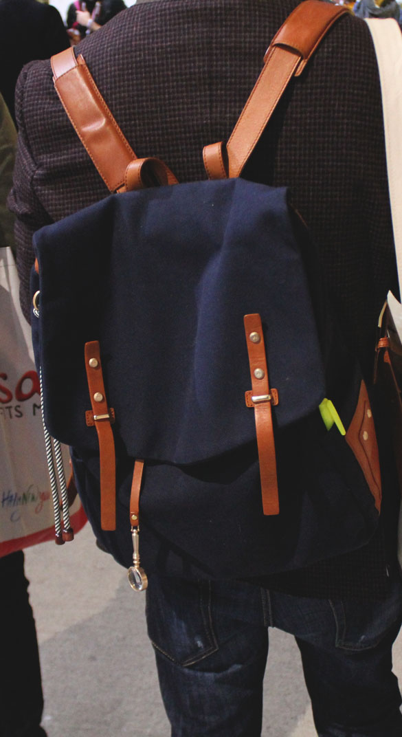 backpack dark blue and leather