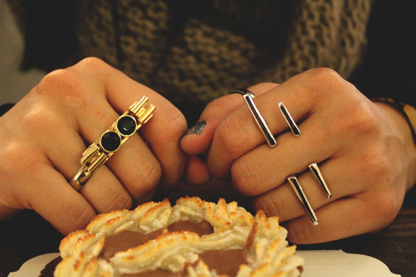two finger rings in gold