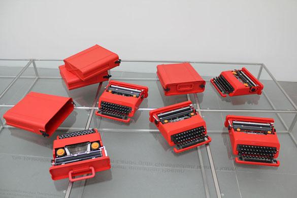 artwork ettoresottsass hans von klier elektrische schreibmaschine