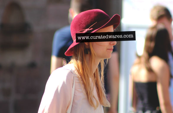 felt hat in bordeaux for women
