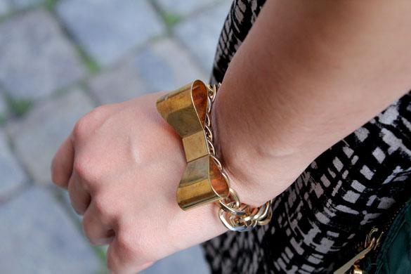 gold bowtie bracelet