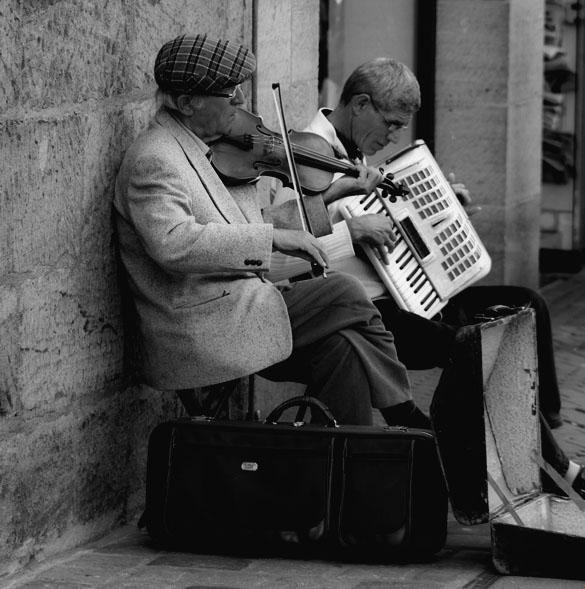 vintage accessories street musician